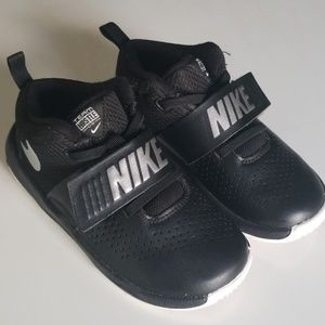 Nike Boys Size 10 C Black Toddler Team Hustle